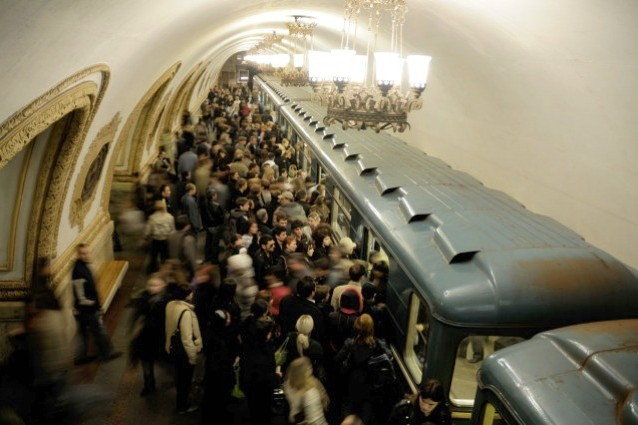 Mosca, la metropolitana diventa una biblioteca virtuale gratuita