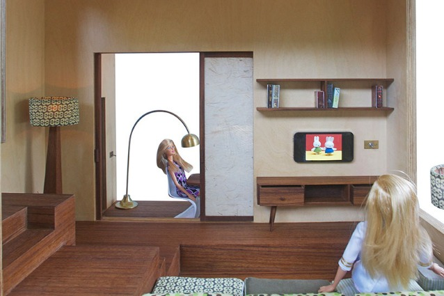 Spiral dollhouse la casa di barbie diventa moderna for Oggettistica moderna per la casa