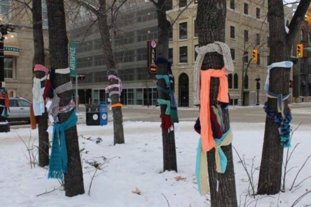"""""""I am not lost!"""": sciarpe gratuite per riscaldare i senzatetto"""
