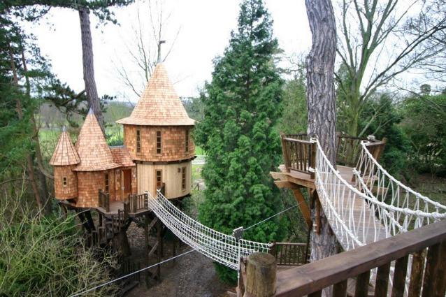 Blue forest la casa sull 39 albero pi lussuosa del mondo - La casa sull albero mobili ...