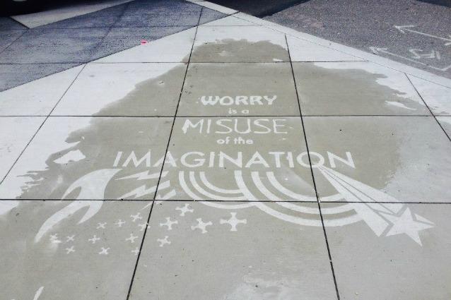 Rainworks: la street art invisibile che appare solo se piove