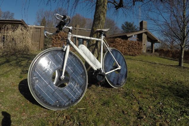 Solarbike: la prima e-bike ad energia solare identica alle biciclette normali