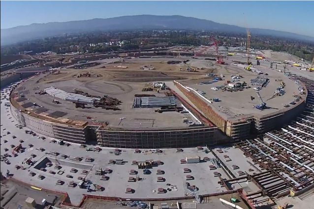 "L'Apple Campus 2 dal video ""The Donut"" di MyithZ/Youtube"