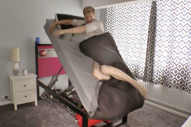 Problemi ad alzarti la mattina ecco il letto che aiuta a svegliarti - Problemi di coppia a letto ...
