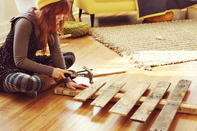 Come creare un albero di natale con le pedane di legno for Alberi di natale fai da te in legno