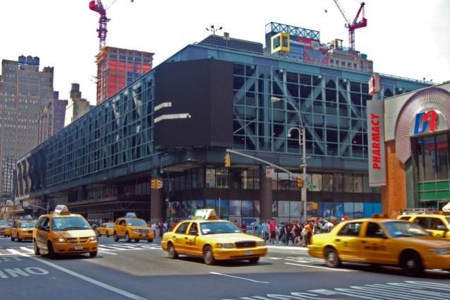 New York, la stazione degli autobus più trafficata al mondo diventa un polo gastonomico
