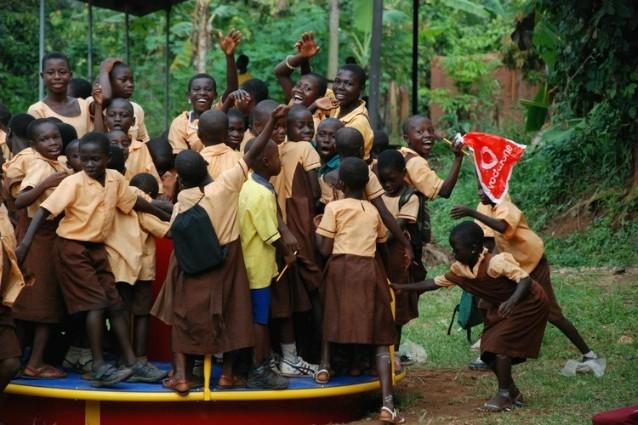 Merry-go-round: ecco la prima giostra che produce energia per i bambini del Ghana