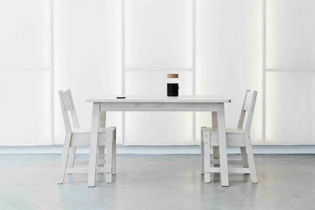 Ikea: arrivano i mobili che ricaricano lo smartphone con un caffè