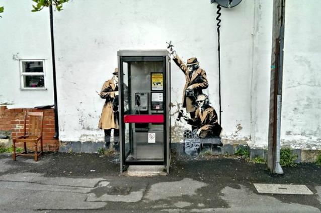 Inghilterra, vendesi il murale di Banksy con la casa su cui è dipinto