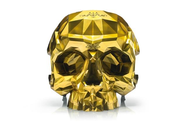 Tutta in oro 24 carati: ecco la poltrona a forma di teschio che tutti vorrebbero