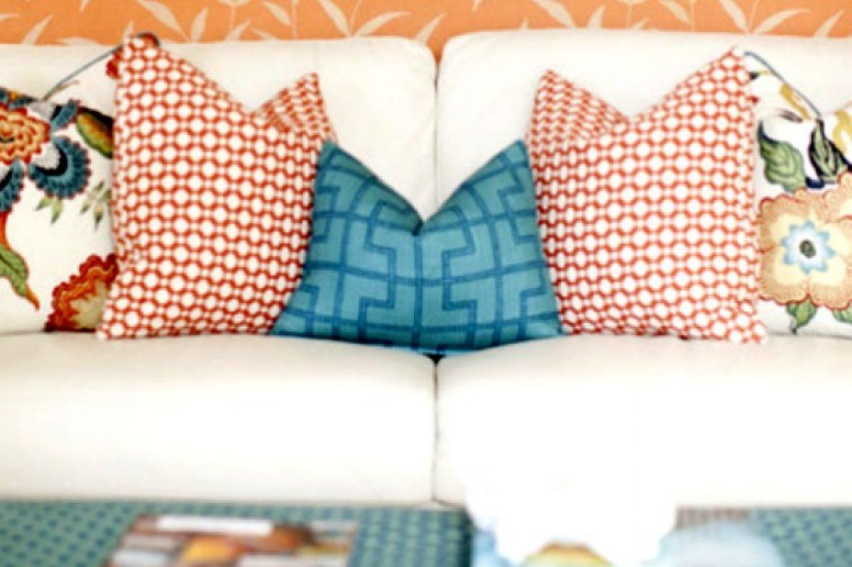 Cuscini Arancioni Per Divano.E Cuscino Mania Ecco I Migliori Abbinamenti Per Il Vostro Divano