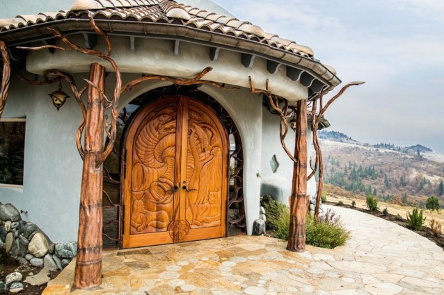 Sembra la casa di un mago e quando vedrete l 39 interno non for Design della casa di 850 piedi quadrati