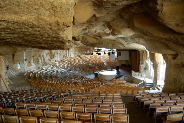 Le chiese nella roccia: al Cairo 7 incredibili costruzioni scavate nelle montagne