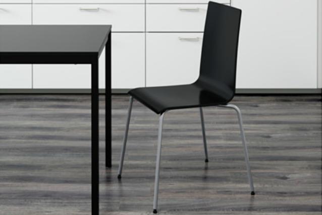 La sedia si rompe e ikea rimborsa la martin difettosa - Sedia sospesa ikea ...
