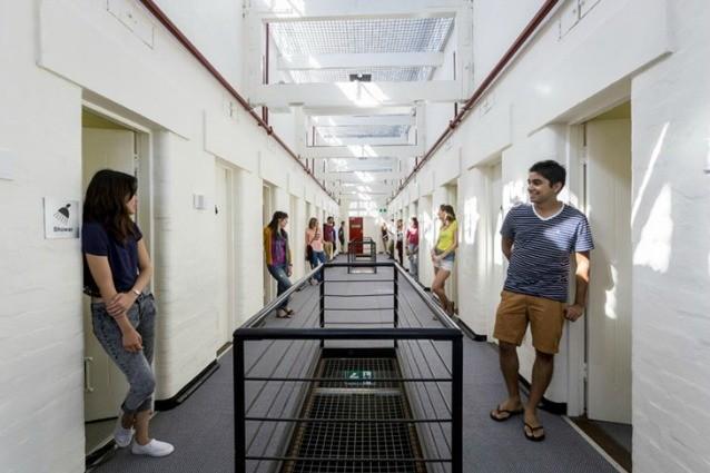 Da prigioni ad hotel di lusso e ostelli: ecco l'incredibile trasformazione