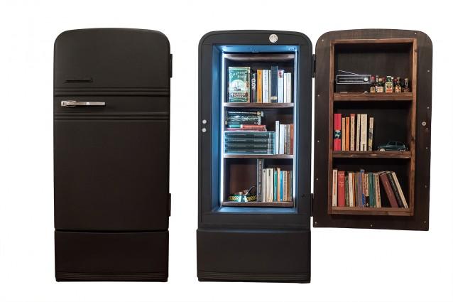 Ecco come un vecchio frigo diventa un 39 originale libreria for Ebay arredamento