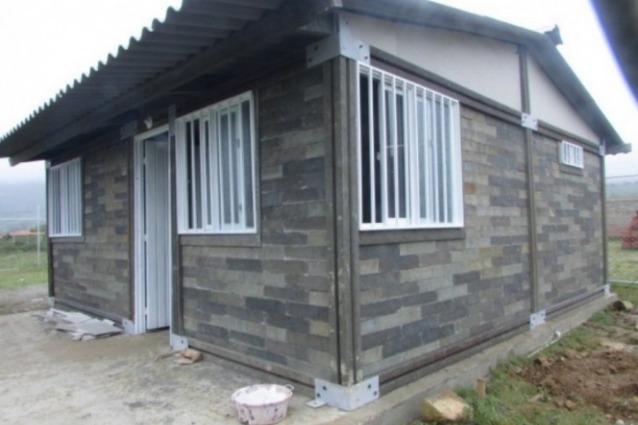 Sembra una costruzione lego ecco la prima casa fatta con for Costo di costruzione casa