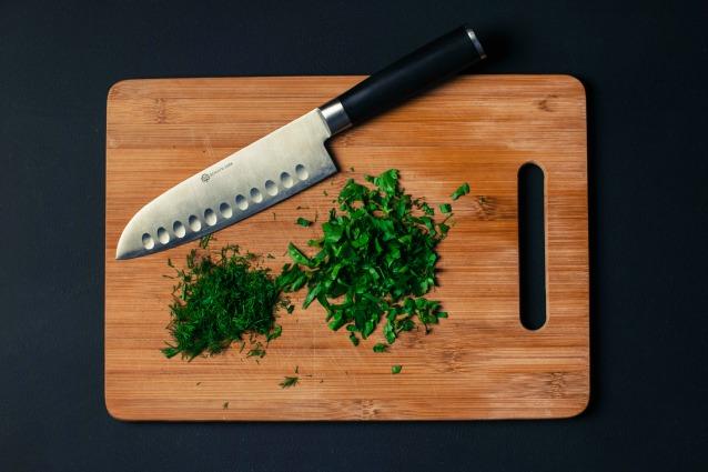 trasformare dei taglieri da cucina in oggetti utili per la casa