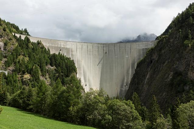Diga di Luzzone: ecco la parete da scalare più alta del mondo