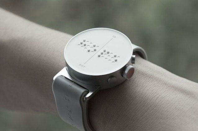 Dot: il primo smartwatch Braille al mondo per non vedenti