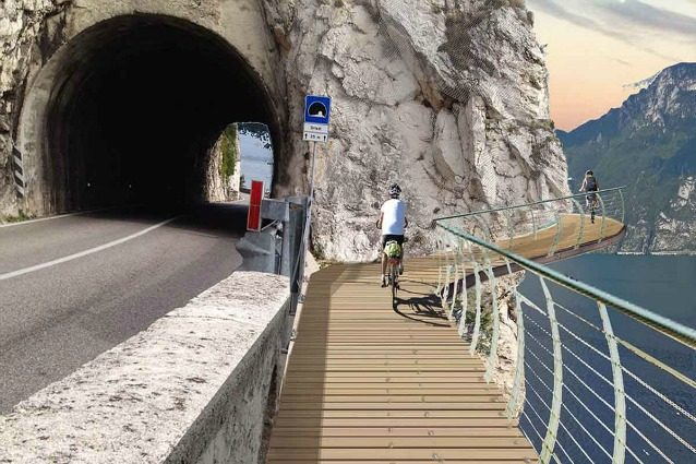 Garda by bike: sulla pista ciclabile più spettacolare d'Europa