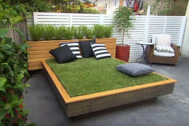 Come creare un letto di erba con i pallet - Letto di legno fai da te ...