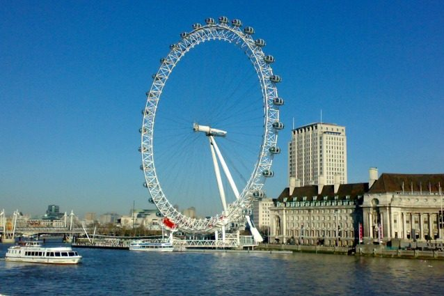 Londra, dormire nella London Eye: ecco la casa in affitto più originale della città