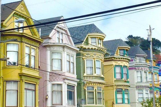 Painted Ladies: le case colorate di San Francisco festeggiano l'arrivo della primavera