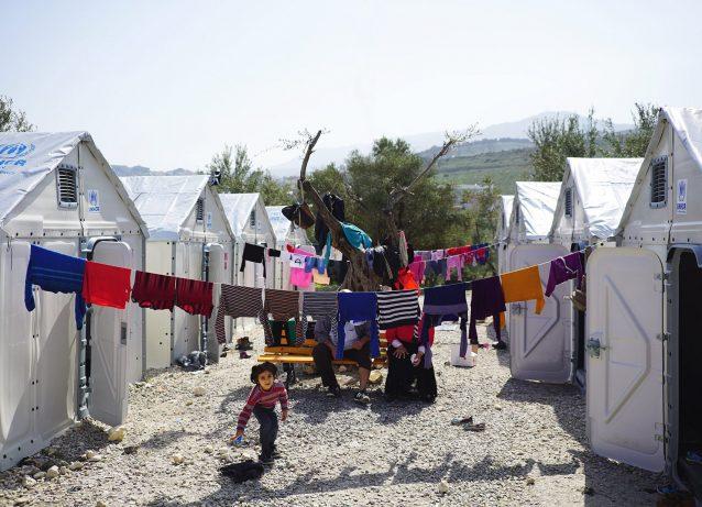 Nel 2013 IKEA ha creato un rifugio profughi per i rifugiati. Da allora, è stato sempre più attivo nel settore umanitario.
