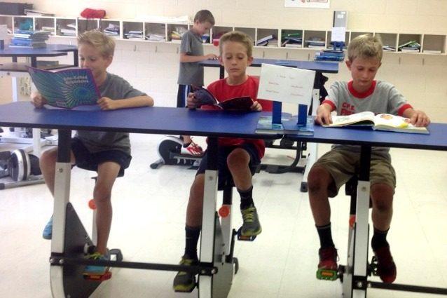 In classe con la bici: il primo banco per bambini iperattivi