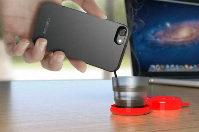 Mokase: la prima cover per smartphone che fa il caffè