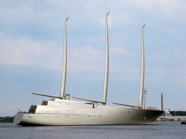 Vela a lo yacht di lusso pi alto del mondo for Grande cabina di lusso orso