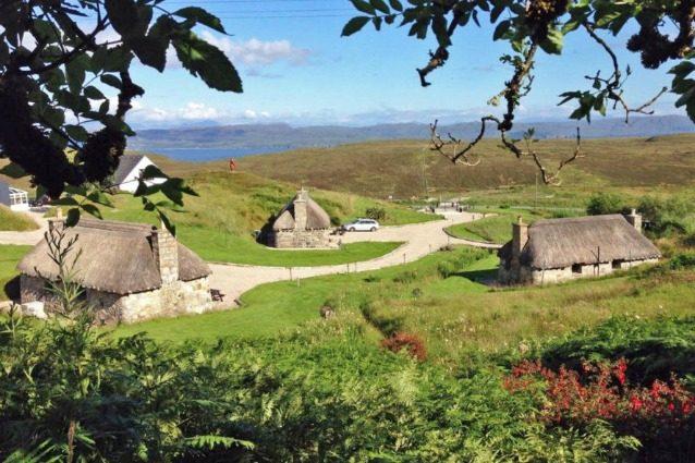 Scozia, vendesi intero villaggio al costo di un attico in città