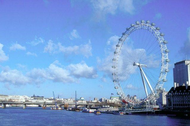 La London Eye diventa un albergo: suite nelle capsule della più famosa ruota panoramica