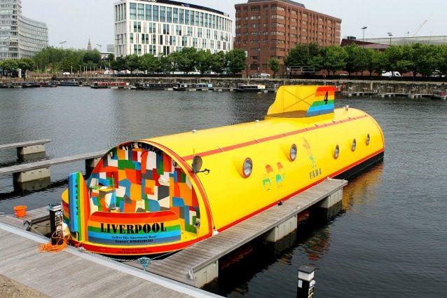 Dal jet privato al sottomarino giallo: ecco le case galleggianti più bizzarre al mondo