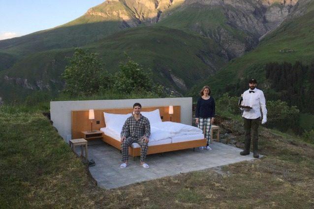 Benvenuti al Null Stern Hotel, il primo albergo al mondo senza pareti né soffitti