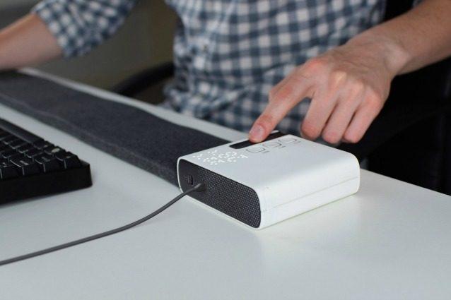 In ufficio arriva Stratum: il tappetino personale che rinfresca solo la (tua) scrivania