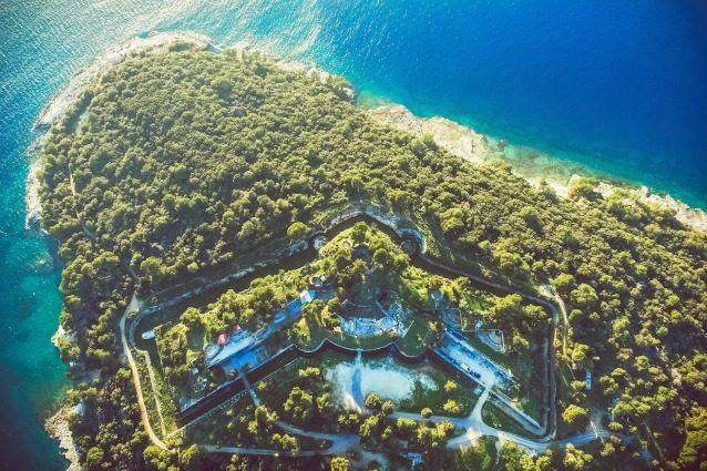 Fort Punta Christo: da ex fortezza croata a sede del Dimensions Festival