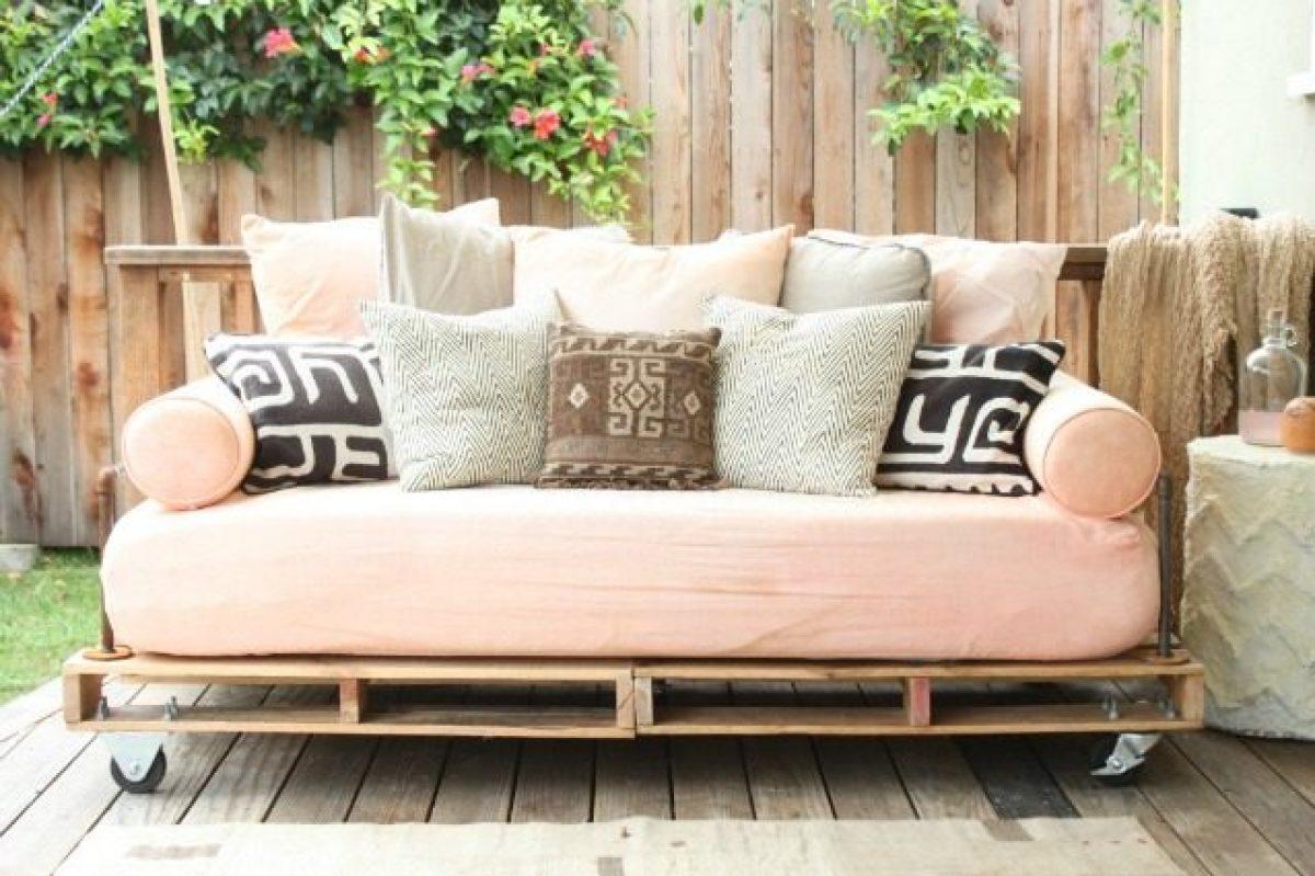 Divano Pallet Vendita : Come creare un divano coi pallet senza spendere soldi