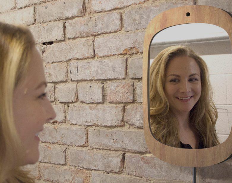 Smile mirror lo specchio che incoraggia i malati di cancro a sorridere - Specchio che si rompe da solo ...