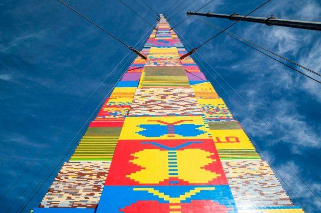 Ecco il motivo per cui a Tel Aviv è stata costruita la torre di LEGO più alta del mondo