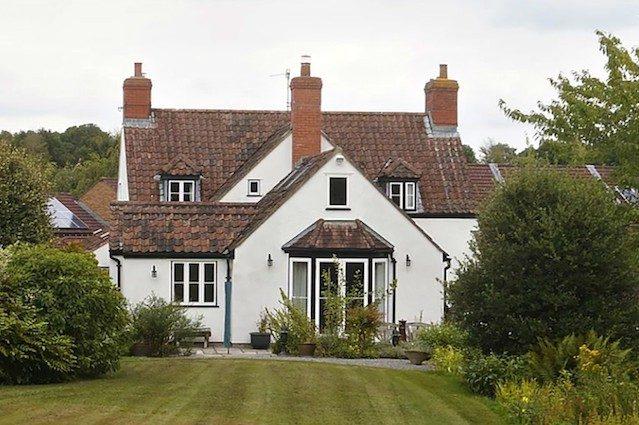 Come vincere un cottage inglese da 1 milione con 11 euro for Piani casa inglese cottage
