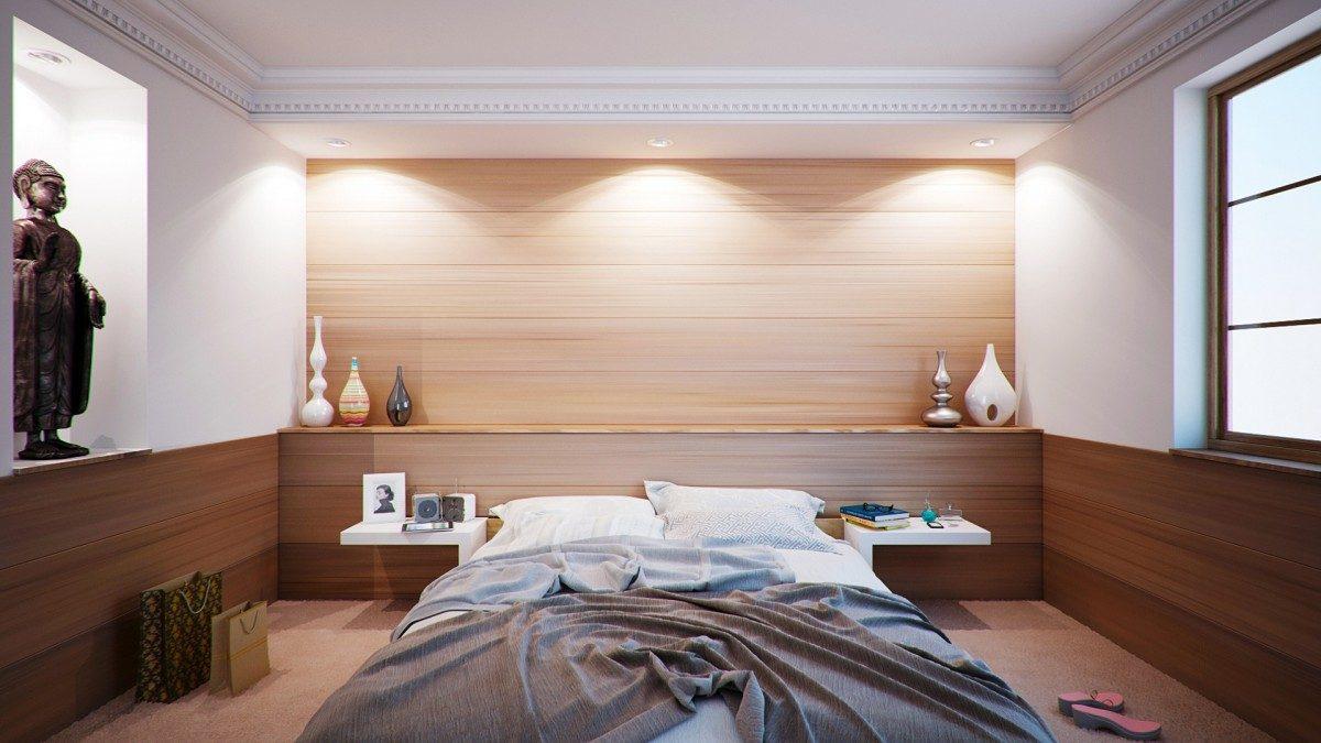 Come illuminare la camera da letto: 5 consigli utili