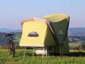 B-turtle, il camper gonfiabile per ciclisti che si può montare ovunque