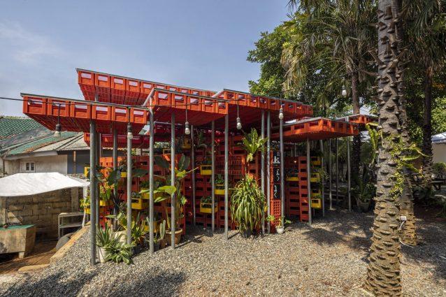 Kotakrat Pavilion: come riciclare le cassette di plastica de