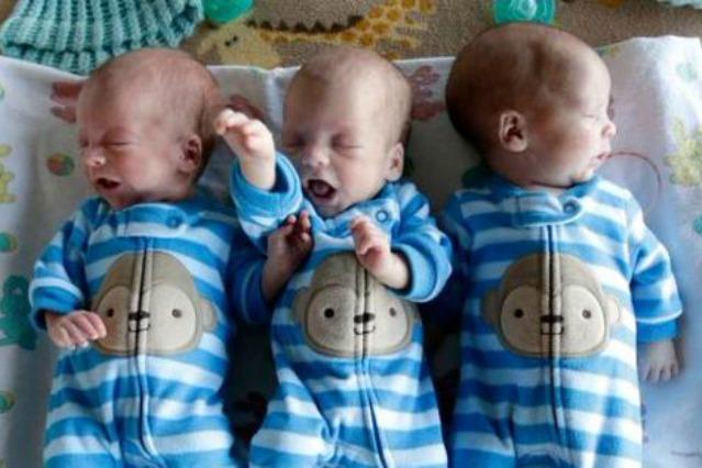 D alla luce 3 gemellini identici capita solo una volta - Gemelli diversi solo un minuto ...