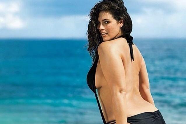 Ashley Graham: la modella plus-size che fa impazzire il web (FOTO)
