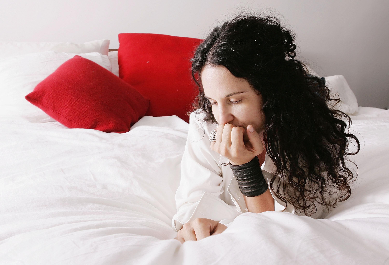 Mangiare prima di dormire e un cuscino morbido 10 cose che rovinano il sonno - Cosa mangiare prima di andare a letto ...