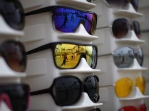 Cataratte e congiuntivite: gli occhiali taroccati sono pericolosi per la vista