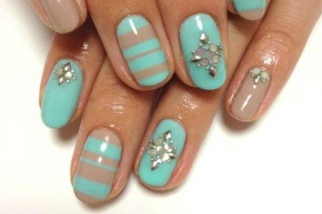 Le Unghie Della Settimana Manicure Effetto 3d Con Perle